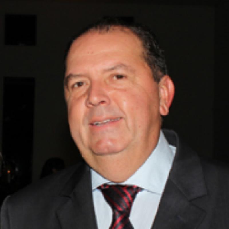Dr. Renato Valbert De Castro
