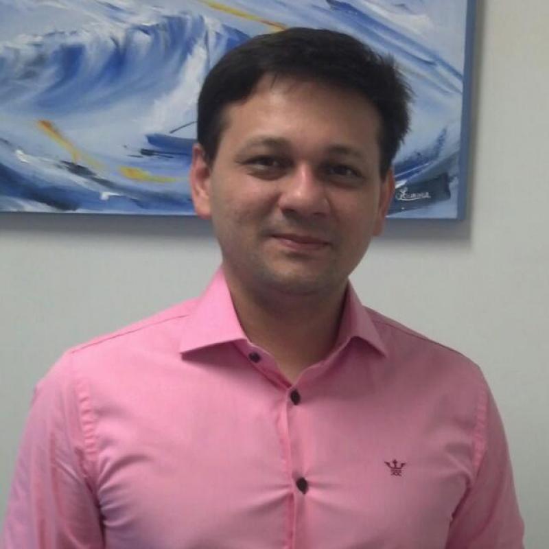 Dr. André Luiz Vidal Góis