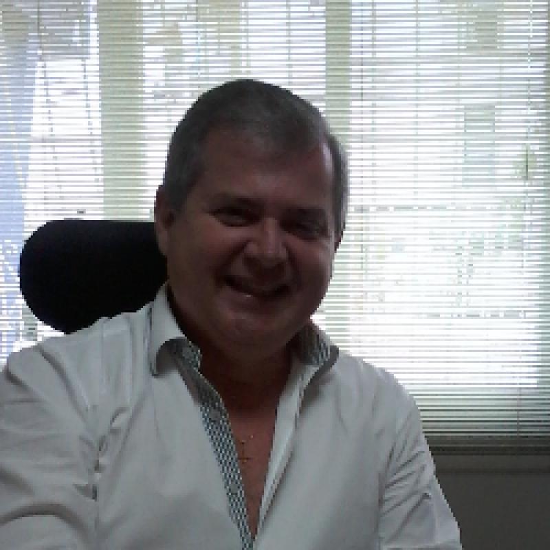 Dr. Andre Karnikowski